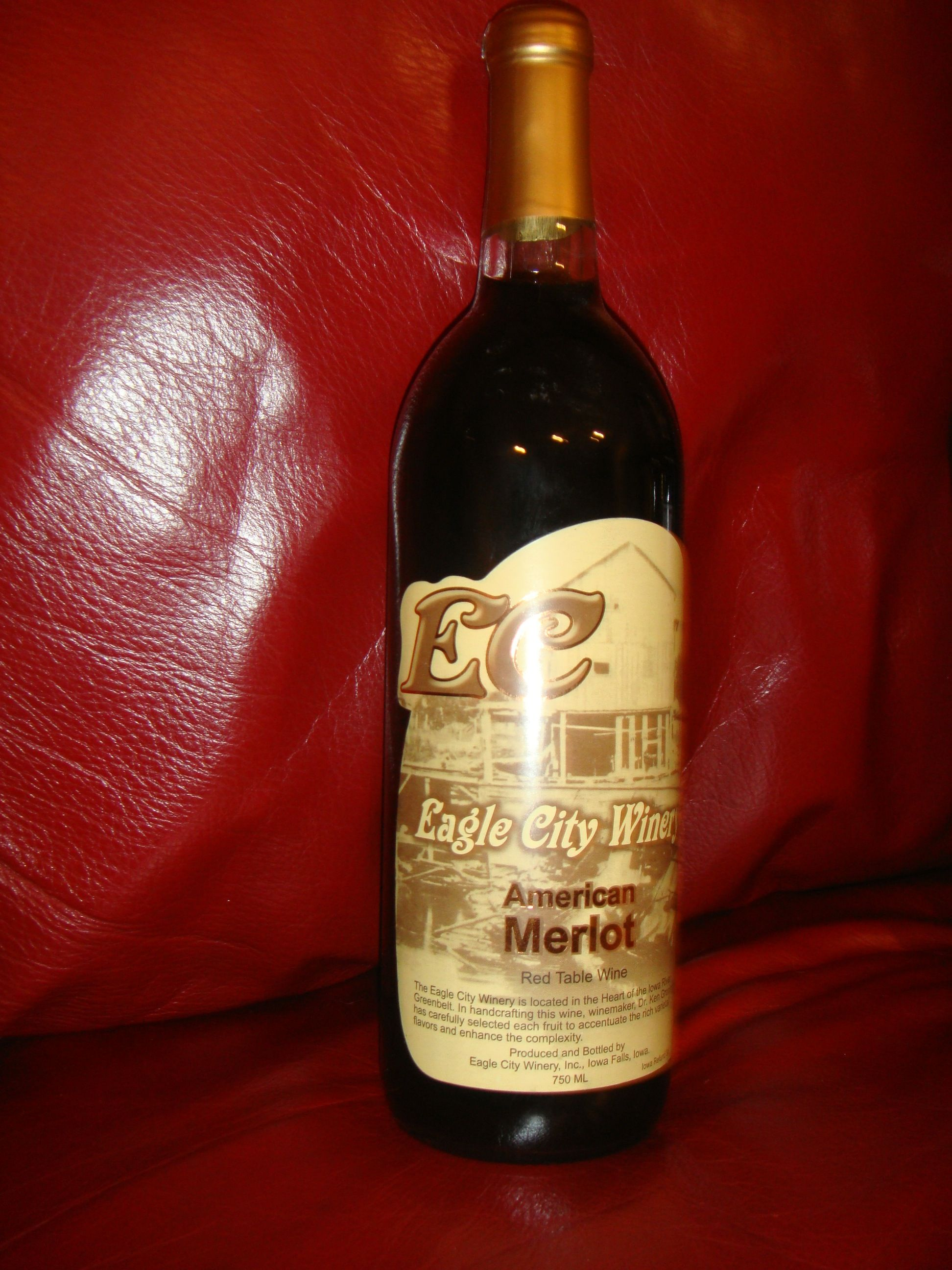 American Merlot Red Table Wine By Eagle City Winery In Iowa Falls Ia Iowa Falls City Winery Wine