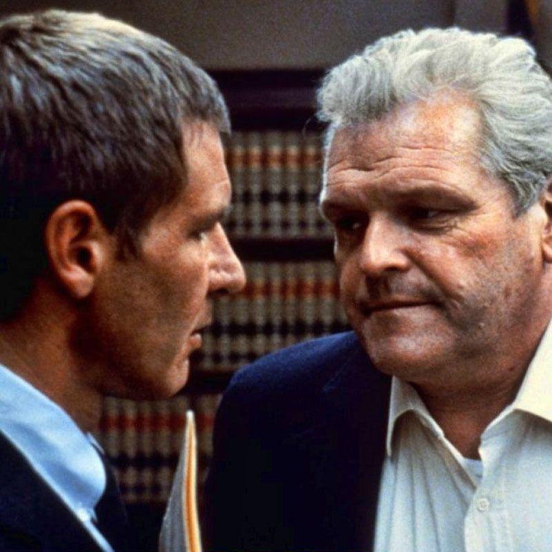 Brian Dennehy y Harrison Ford en \u201cPresunto Inocente\u201d (Presumed
