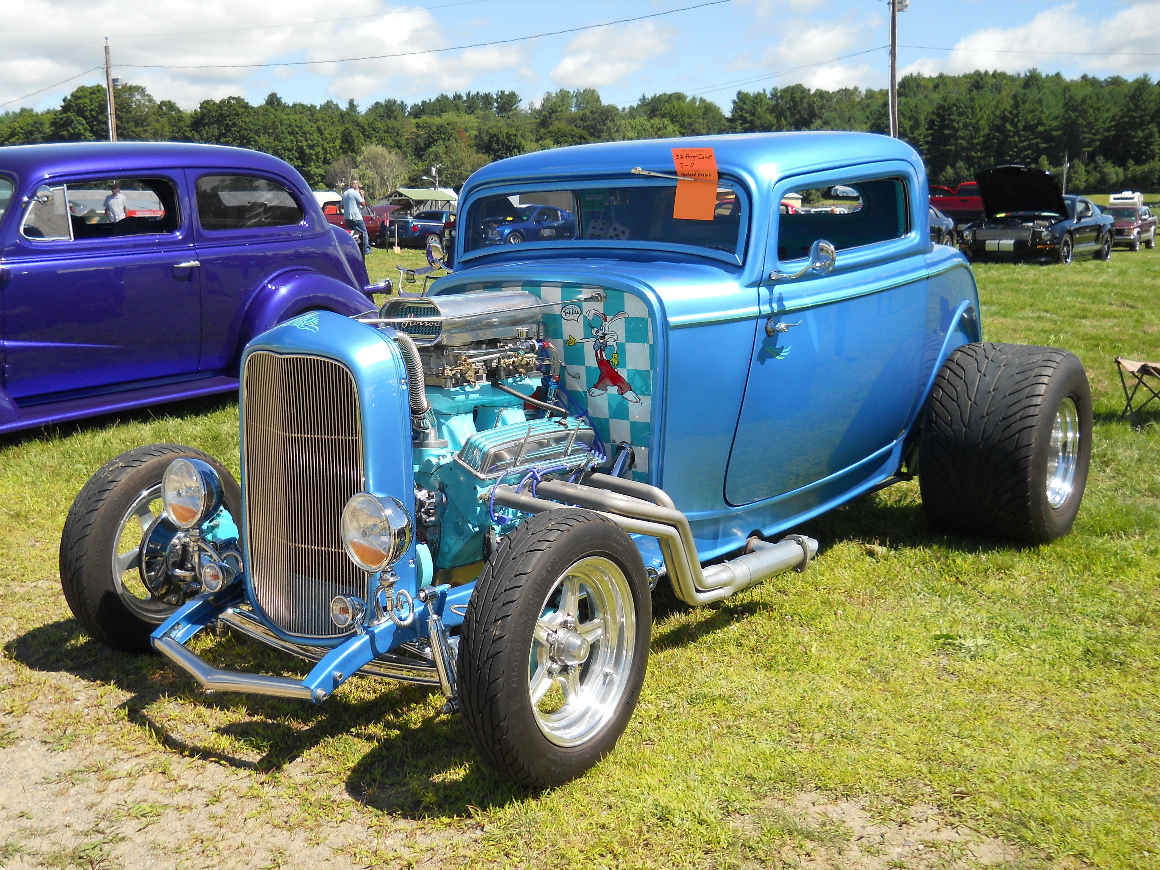 1932 Ford Coupe full of Cartoon characters