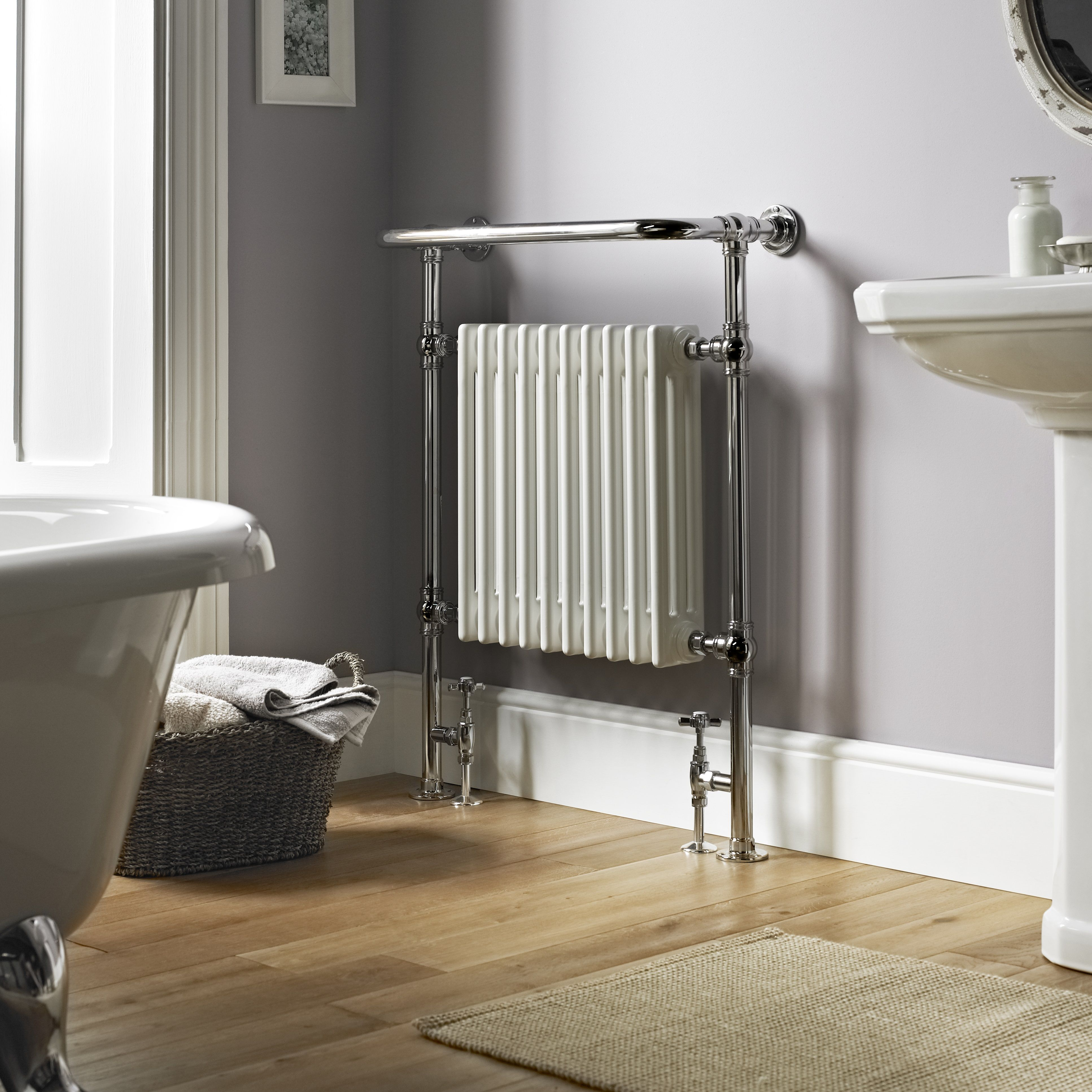 Vogue Regency floor mounted heated towel rail