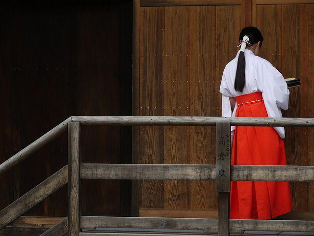miko@Kamigamo-jjinja, Kyoto, Japan | Flickr: Intercambio de fotos
