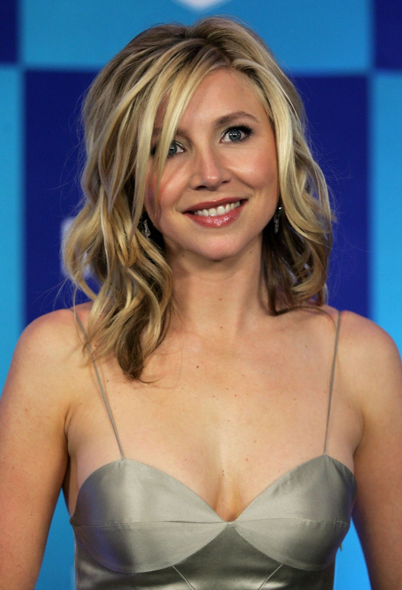 Sarah Chalke Elliot From Scrubs LETS MIX IT UP