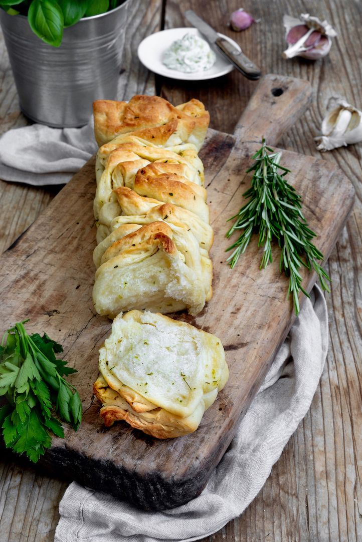 Photo of Plucked bread with herb butter – recipe – Sweets & Lifestyle®