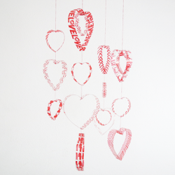 How To Make A Hearts Mobile With Plastic Bottles Crafts Repurposing Upcycling Seasonal Holiday Decor Valentines Day Ideas