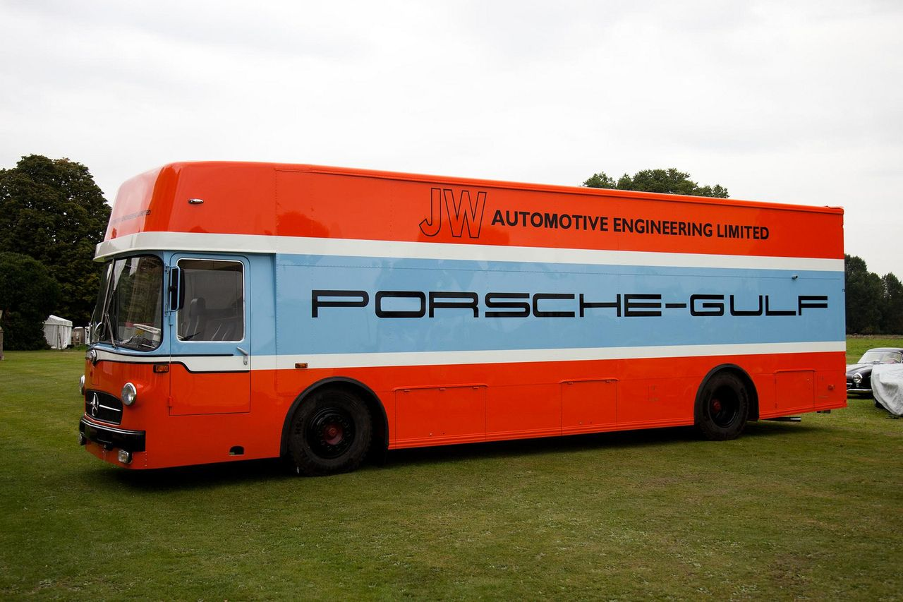 mercedes benz o 317 renntransporter porsche gulf 24 h. Black Bedroom Furniture Sets. Home Design Ideas