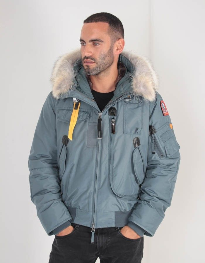 Parajumpers Gobi Jacket, in teal, is the ideal coat for the colder months. This waterproof bomber jacket is both stylish and functional, with taped seams ...