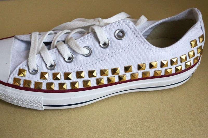d320768eae766f Make Your Own Studded Converse