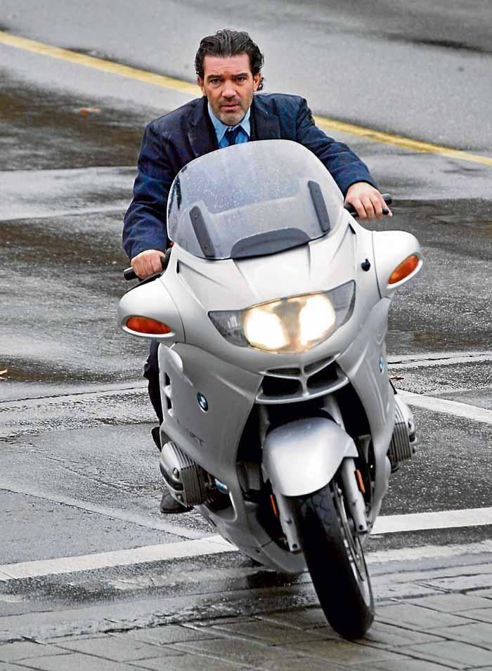 Antonio Banderas #Celebridades #PowerMotorrad #BMW