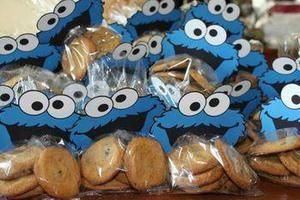 Top Cookie Monster Party Favors Kids Will Love