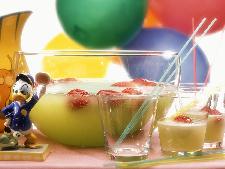 Fruchtbowle für Kinder - smarter - Zeit: 10 Min. | eatsmarter.de