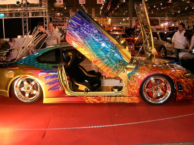 custom_paint_skyline_r34.jpg 800×600 pixels Car painting