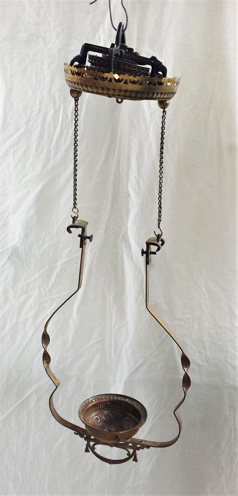 Antique Brass Hanging Oil Lamp Frame W Windup Chain Ebay Oil Lamps Antique Brass Antiques
