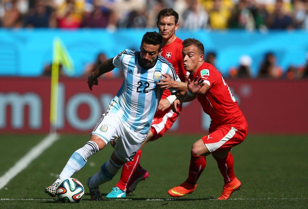 Xherdan Shaqiri Photos Photos Argentina V Switzerland Fifa Ezequiel Lavezzi Fifa World Cup