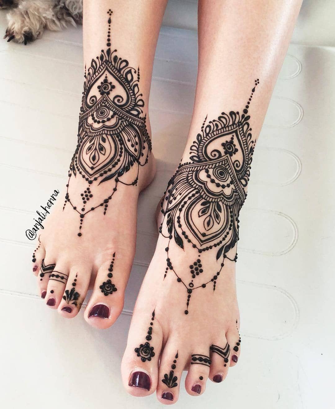 Some Steal Worthy Mehndi Design Ideas Spotted On Instagram In 2020 Henna Designs Feet Foot Henna Henna Tattoo Designs