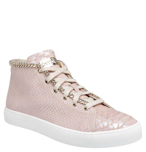 #STOKTON #Sneaker, #Leder, #aufgenähte #Kette, #Reißverschluss Sneaker für Damen von STOKTON mit einer Kombination aus Reißverschluss und Schnürer. Eine aufgenähte Kette setzt einen rockigen Akzent. Wer meint, dass Schuhe das Highlight eines Outfits sein sollten, liegt mit dem Sneaker für Damen von STOKTON genau richtig. Die Kombination aus strukturiertem Obermaterial und aufgenähter Gliederkette sorgt für einen unkonventionellen, rockigen Look. Die dekorative Schnürung und der seitliche…