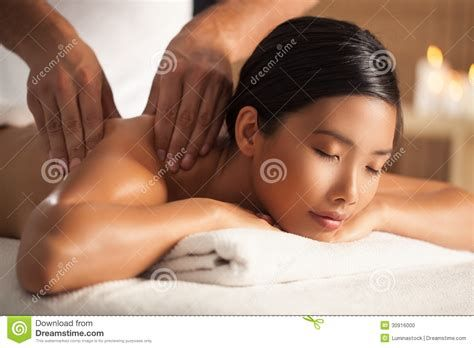 Muscle Babe Handjob Pics