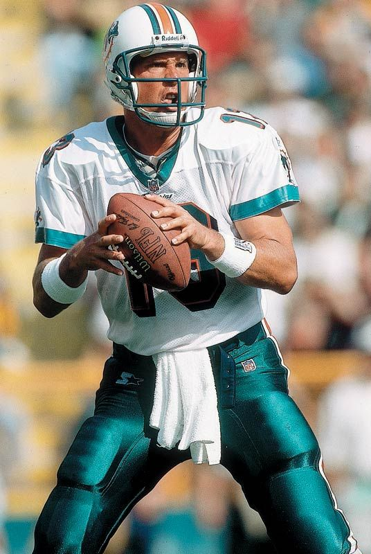 39078d335 Dan Marino - Miami Dolphins.... Why did he have to become old ...