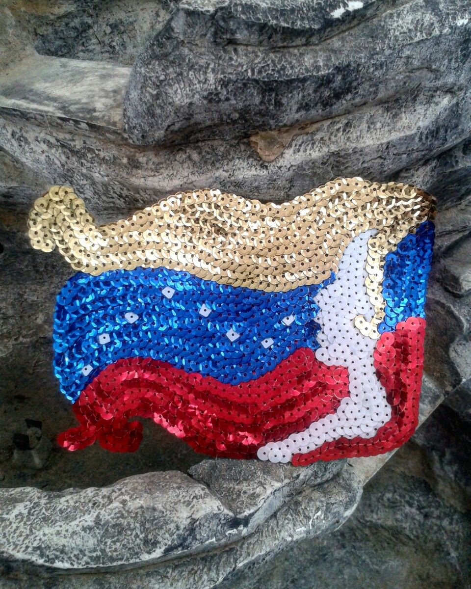 Mi madre tierra! VENEZUELA #look #lentejuelas #hechoamano #fashion #bordados #trendy #hechoconamor #emprendedora #apliques #arte #diseñovenezolano #sequin #parches #outfit #femenina #like #moda #follow #hechoenvenezuela #talento #closet #tendencia #thebest #aragua #venezuela  →→→★Ready to Shine★←←←
