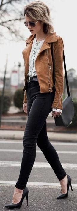Camel suede biker s-jacket, vertical stripe shirt, black skinny denim, black pumps |Transitioning into spring street style | JO & KEMP