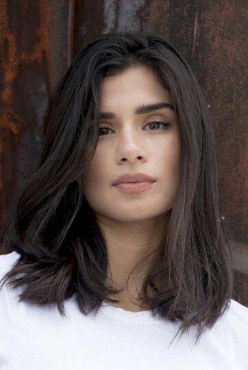 Diane Guerrero Of Oitnb Wishes Her Character Could Wear Blush My