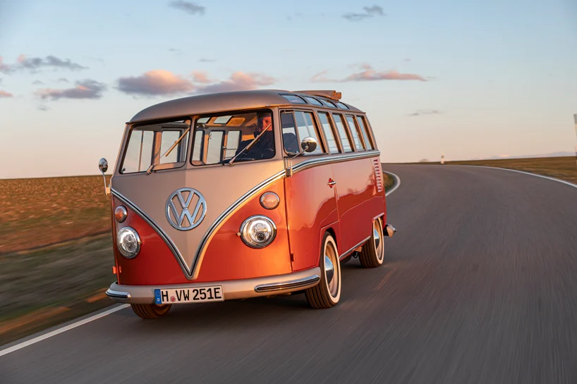 Volkswagen Unveils E Bulli A 60s Conversion With A 2020 Electric Drive In 2020 Volkswagen Electric Cars Commercial Vehicle