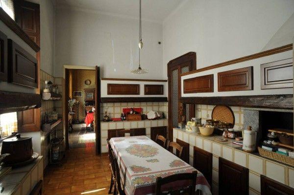 Villa liberty padronale di prestigio, costruita nel 1904 in stile ...