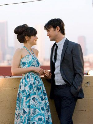 Zooey Deschanel & Joseph Gordon-Levitt. They were so cute in 500 days of Summer...
