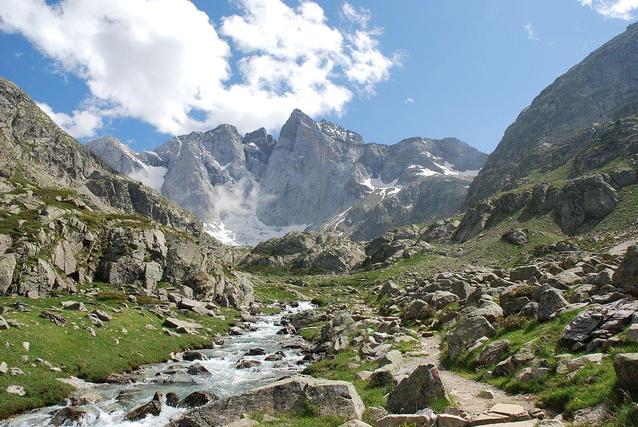 Idees Vacances Ete Hiver Lourdes Cauterets Pont D Espagne Pic Du Midi Gavarnie Vallee Du Louron Grand Tourmalet Neouvielle Tourisme Hautes Pyrenees Hautes Pyrenees