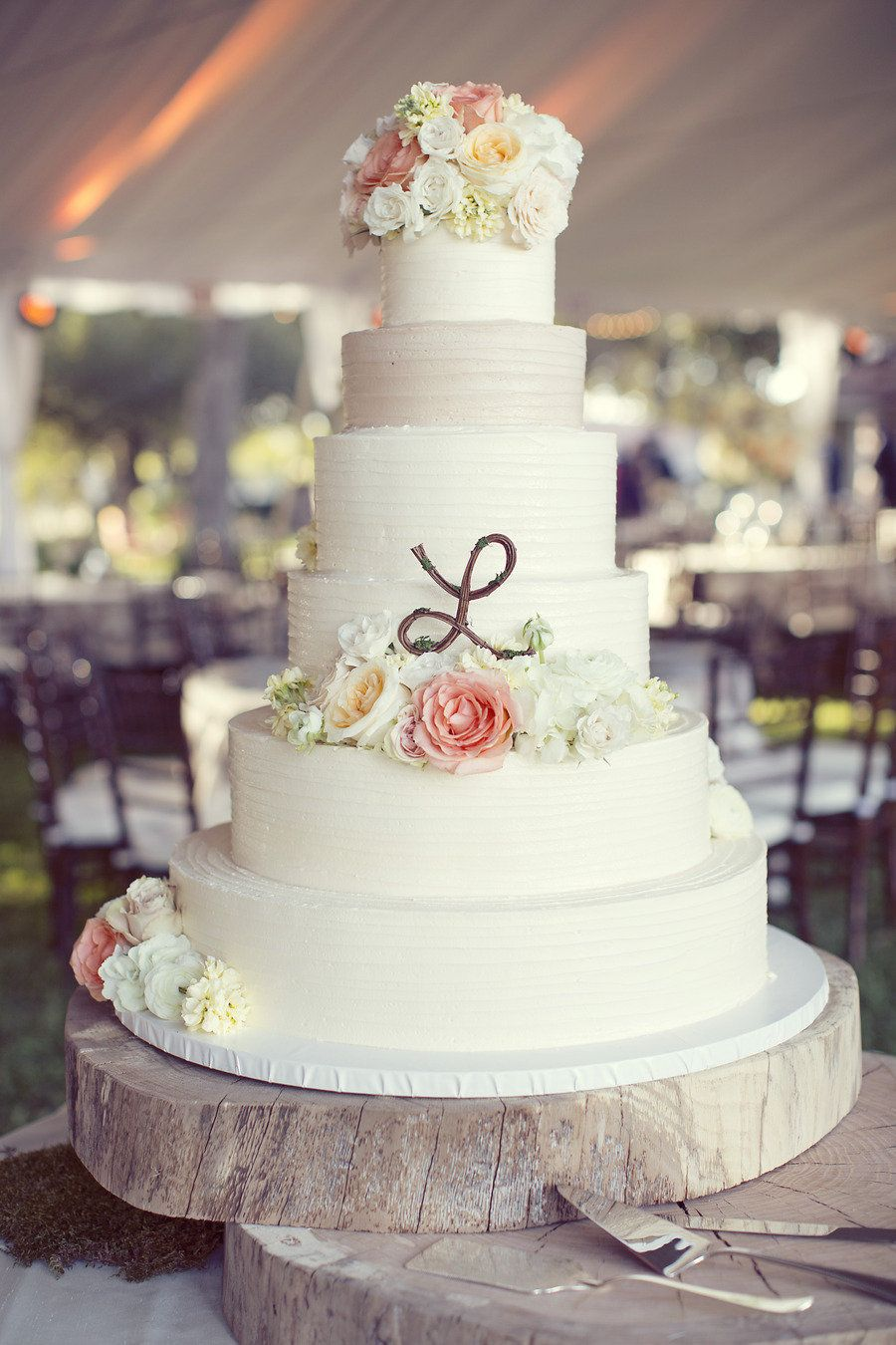 Kinda in love so love the simple monogram artistic wedding cake
