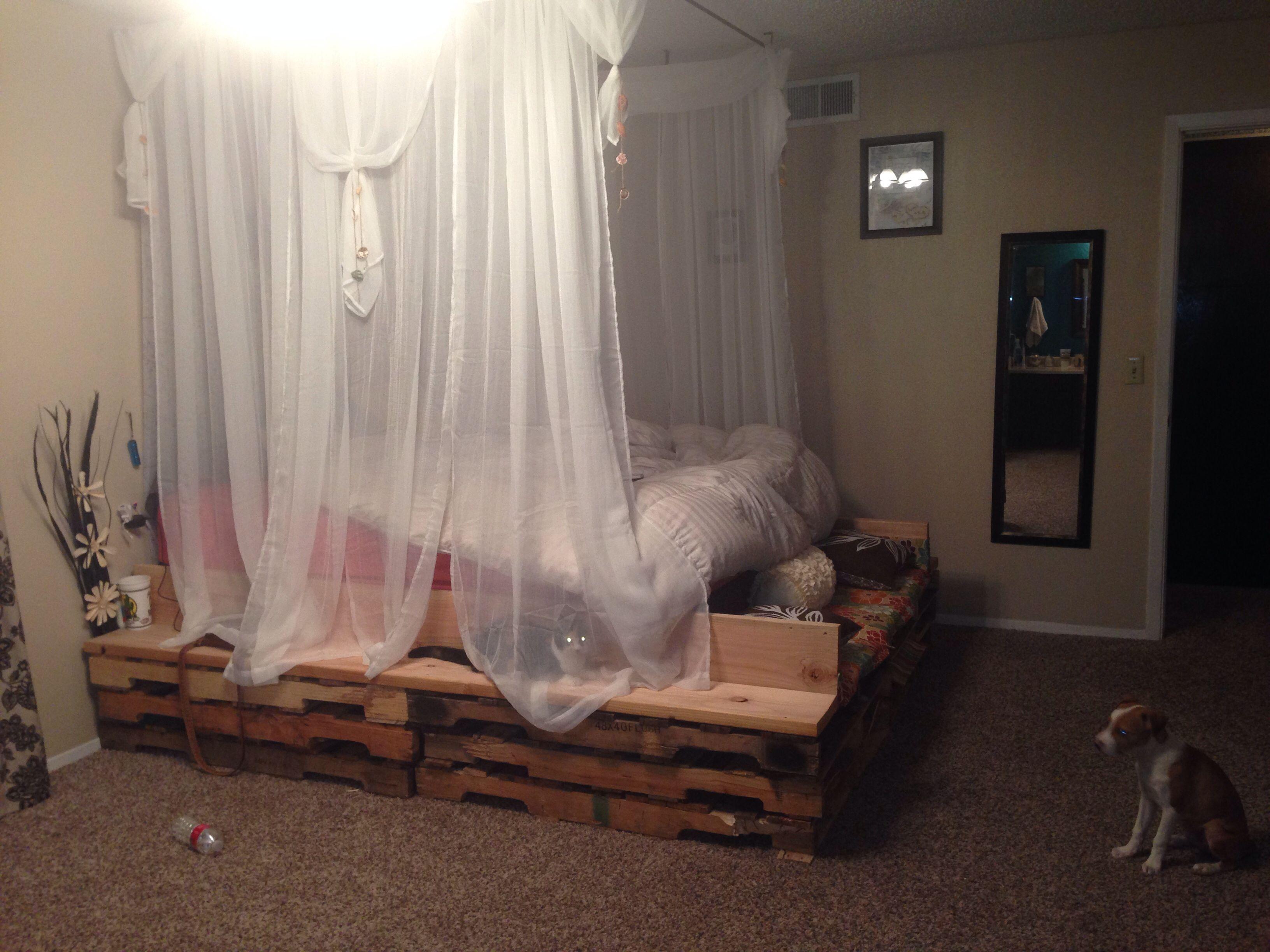 Diy Bed Canopy Ideas Part - 35: DIY Pallet Bed U0026 Canopy