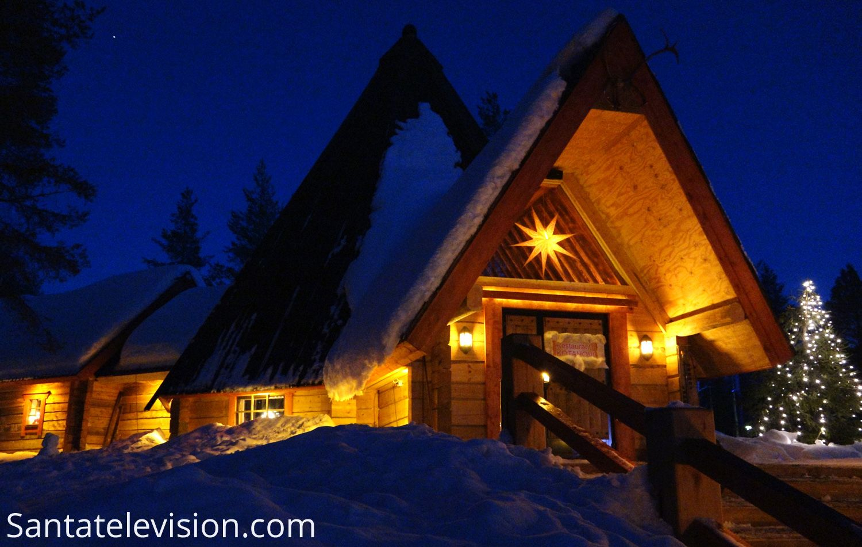 """Restaurante lapon """"Kotahovi"""" en el Pueblo de Papá Noel en Rovaniemi, Finlandia"""