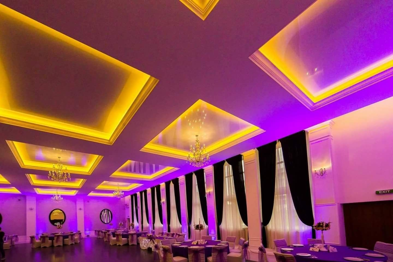 Decor nuntă în salon mov Aerostar | Decoratiuni saloane de nunti ...