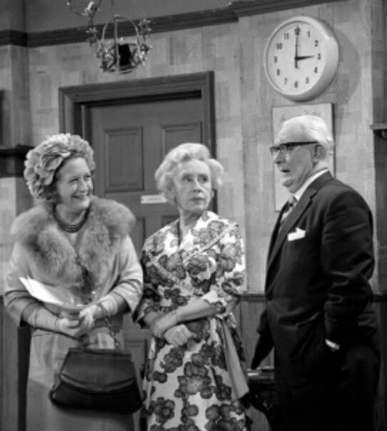 As Nellie Harvey Landlady Laughing Donkey Coronation street