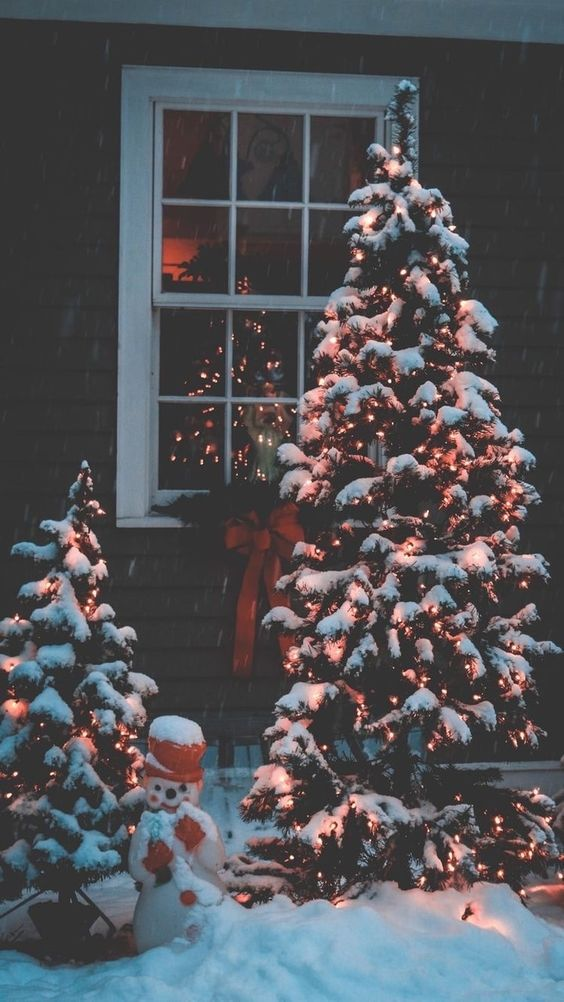 35+ Free Vintage Christmas Wallpaper Options For iPhone |