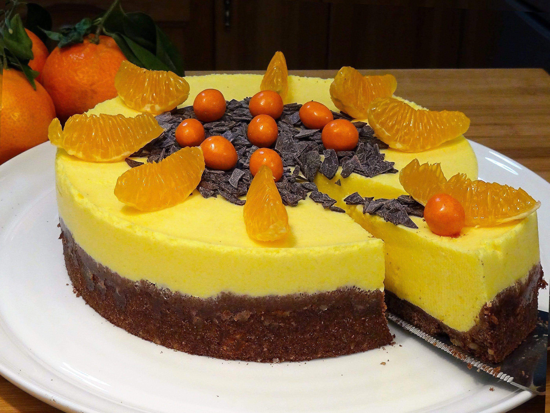 Tarta mousse de mandarina con base de galletas con nueces - Postre con mandarinas ...