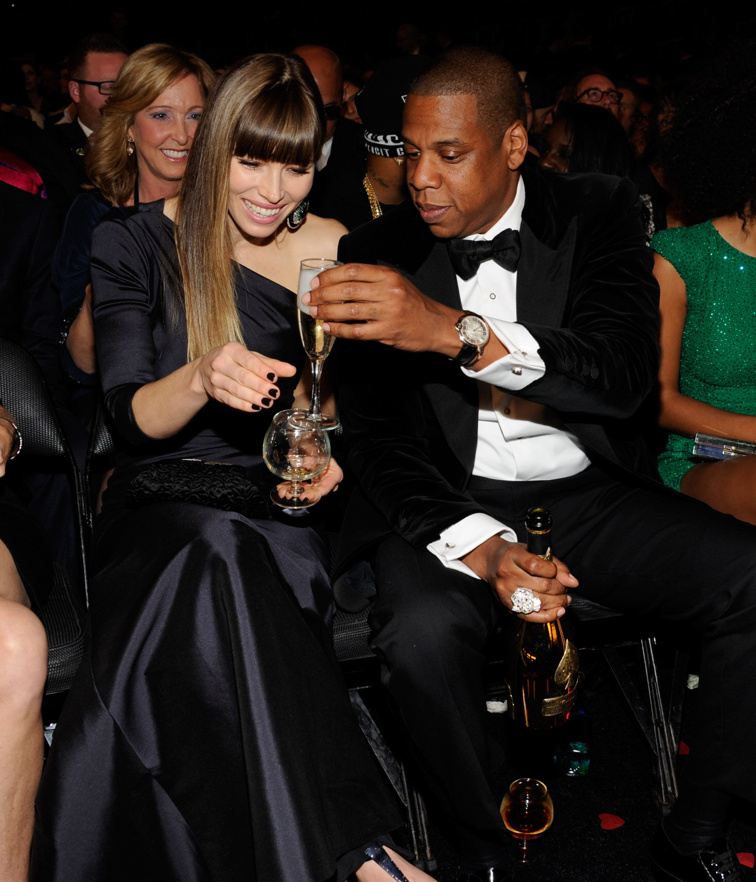 jt and jessica drink and mingle with beyonc and jay z at. Black Bedroom Furniture Sets. Home Design Ideas