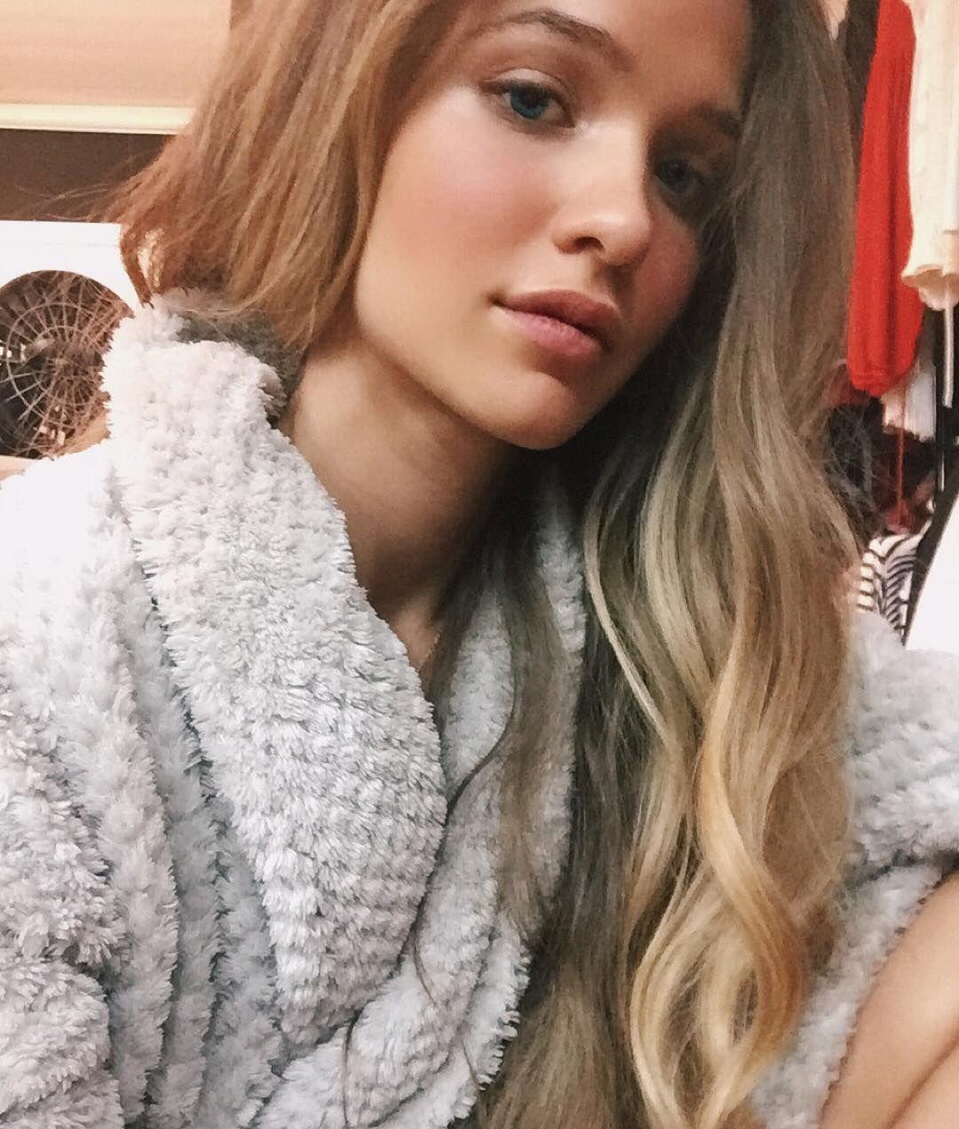 braless Selfie Terra Jo Wallace naked photo 2017