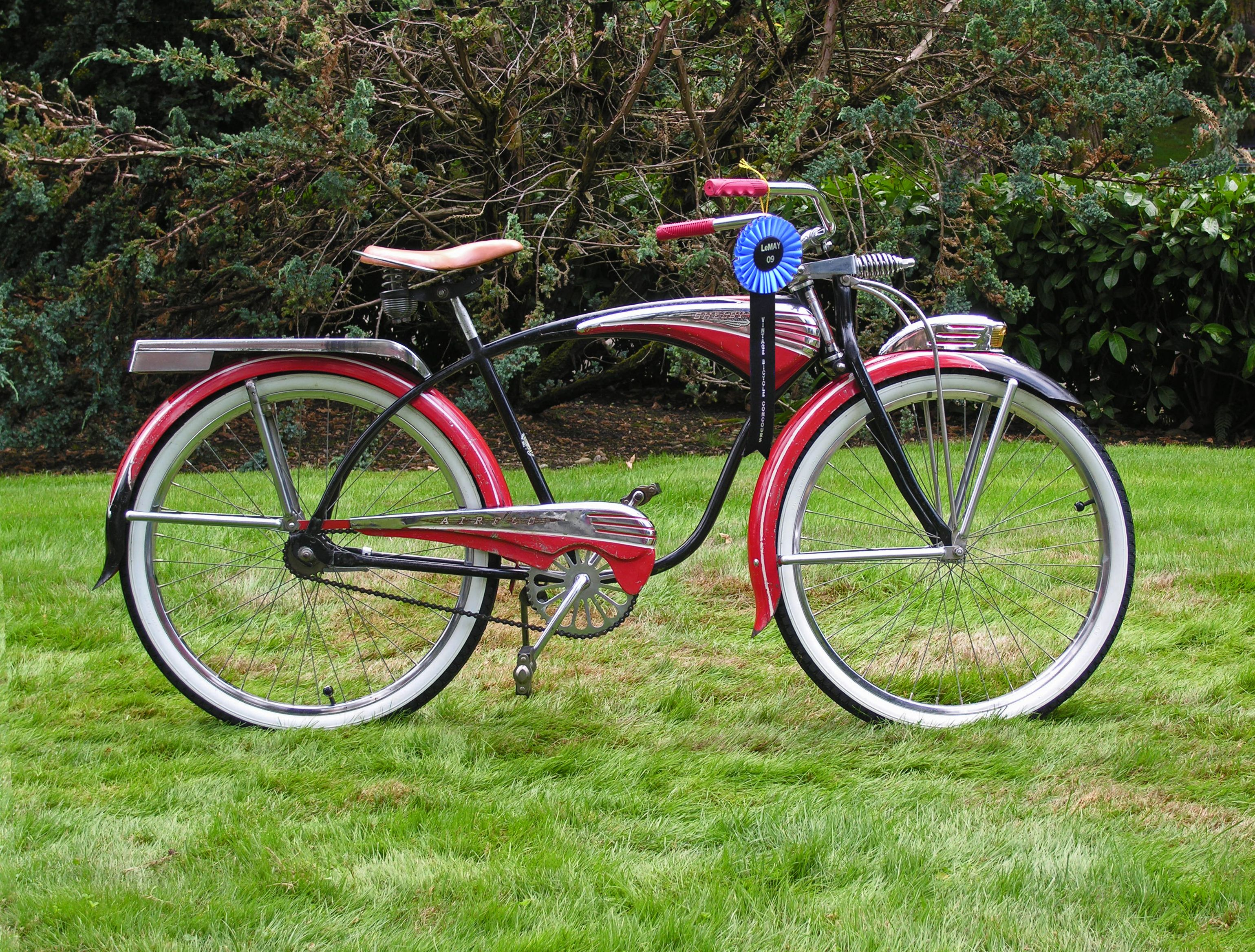 Bicycle Display Puyallup February 2012 1954 Amf Shelby Airflo Vintage Bicycles Bicycle Cool Bicycles