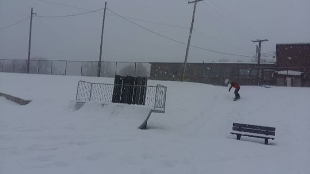 Little Grab 👌 #snow #board #snowboard #snowboarding #life #outside #neige #grab #kicker #jump