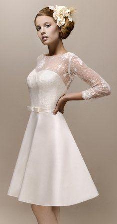 Robe de mariée courte   50 robes de mariages courtes - Diaporama Beauté -  Doctissimo 437e1258cf4