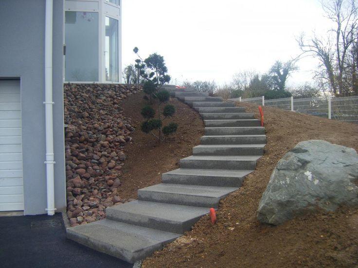 escalier extérieur en béton | escaliers en béton désactivé mur en pierres s…
