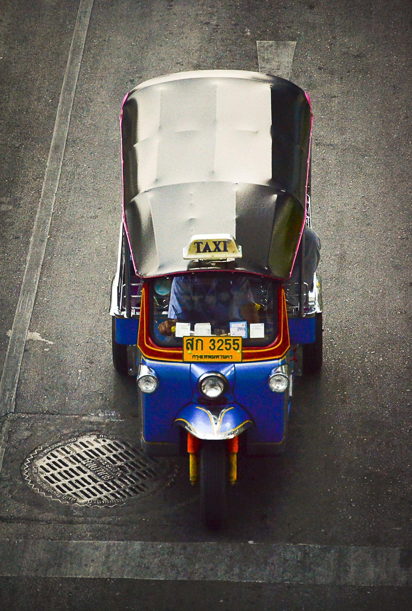 Tuc tuc, taxi. Thailandia