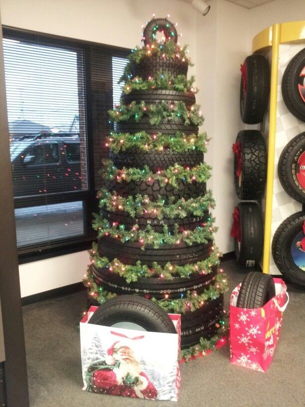 Our tire Christmas tree 772980b00f8a23a986316eda3916d598jpg 612816 pixels