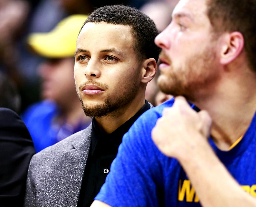 Steph looking like the Express model he is