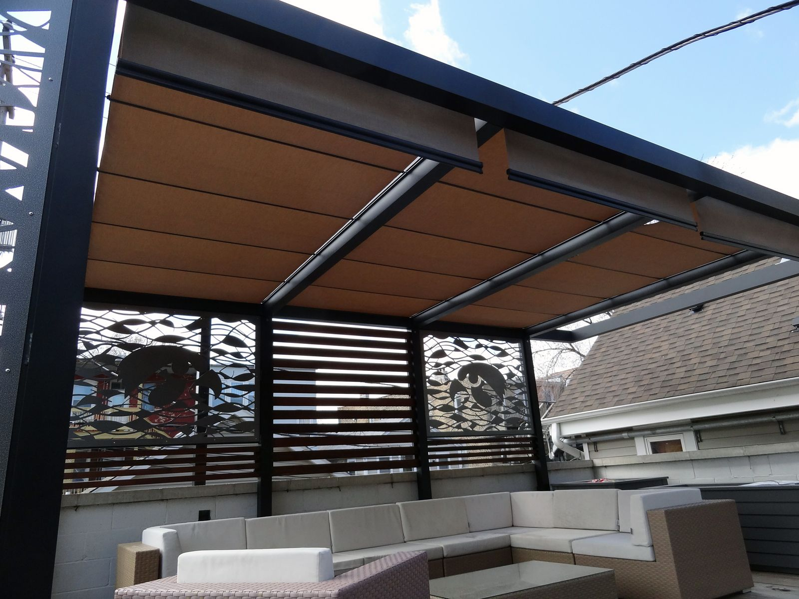 Roof screens roof deck pergola retractable shades for Retractable outdoor screens