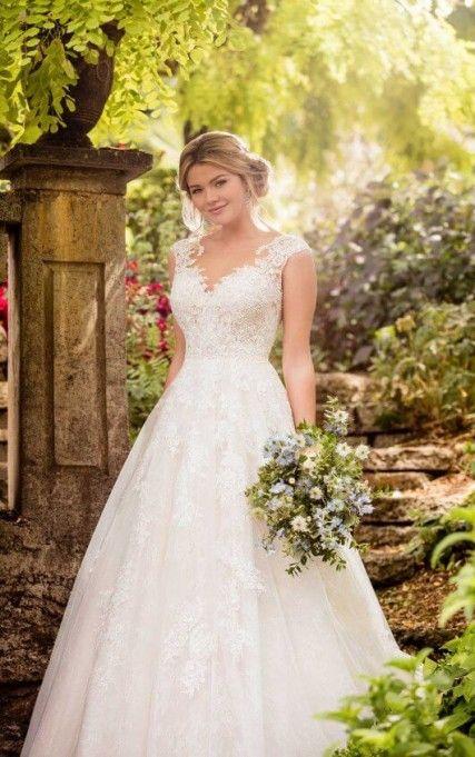 New Essense of Australia Vintage A-Line Wedding Gown D2347 Wedding Dress | Size: 6 $1,900