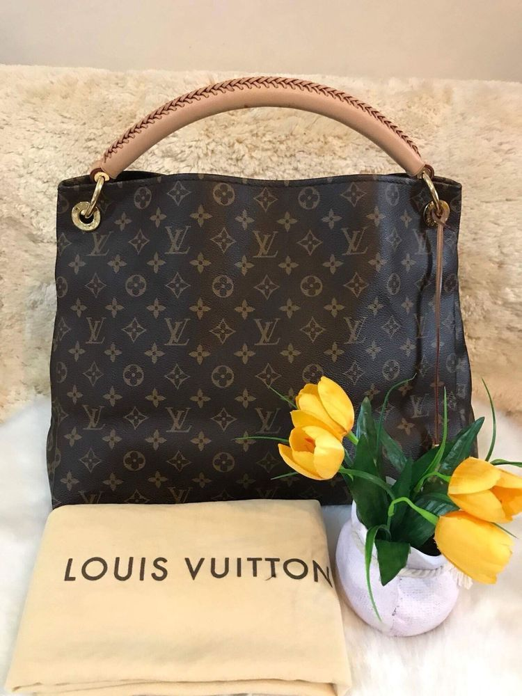 Authentic Pre-loved Louis Vuitton artsy Monogram  c491652b705f
