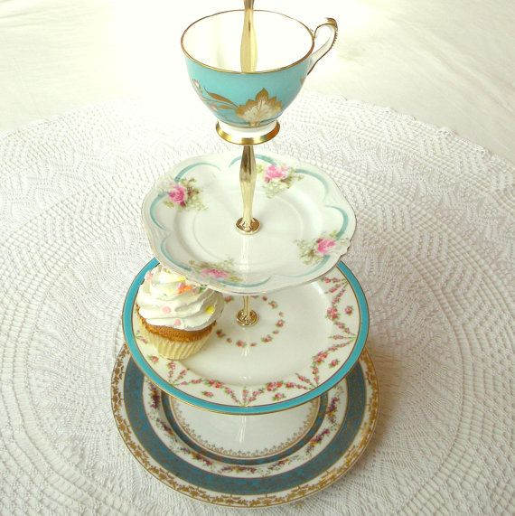 Alice Sails Away 4 Tier Tiffany Blue Cupcake Stand Aqua