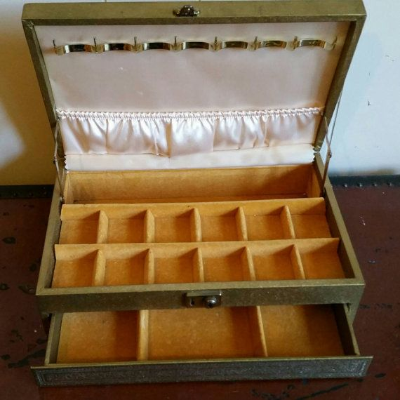 A vintage Mele jewelry box httpswwwetsycomlisting250542699