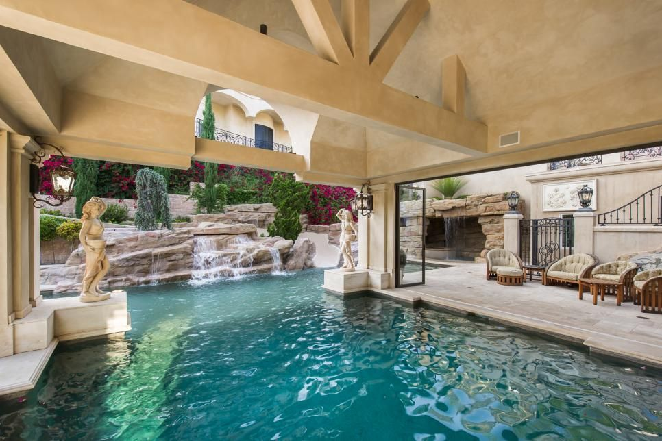 Connected To The Poolhouse A Luxurious Grotto Style Pool And Spa